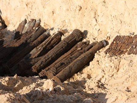 Найдено более 260 взрывоопасных предметов времен Великой Отечественной войны. Фото: ГУ МЧС Украины в Донецкой области.