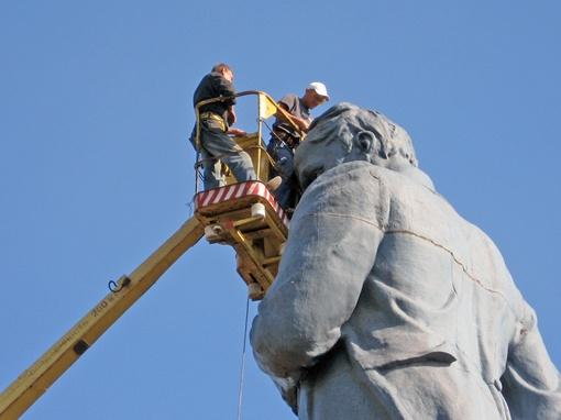 Памятник Шевченко в празднике не участвует