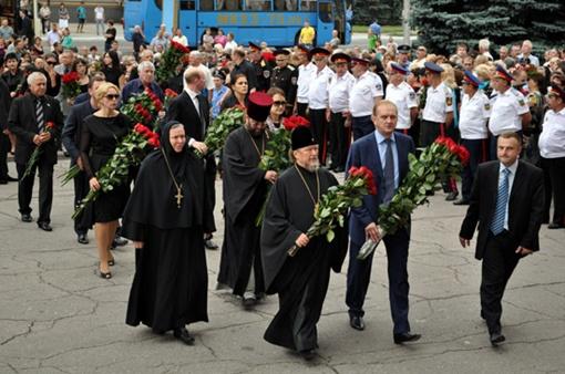 Духовенство и крымское правительство. Фото ostro.org.