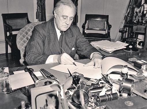 Рузвельт получил за доллар 4 срока. Президентских.