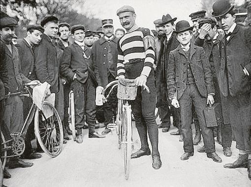 Ипполит Окутюрье первым оценил пользу автомобиля в велоспорте. Фото с сайта velolife.com.