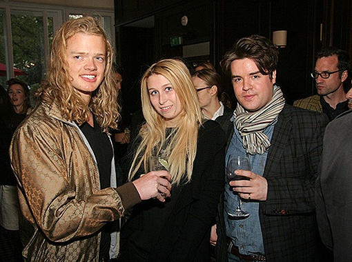 После того, как Анна расторгла помолвку со своим женихом Николаем Лазаревым, ее постоянно видят в компании разных молодых людей. Фото bloodsweatandfashion.com.