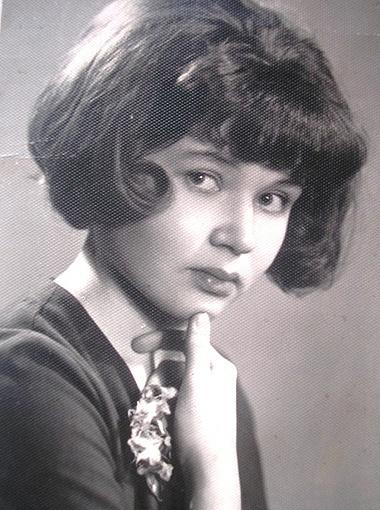 Такой была Наталья Владимировна в 17 лет, когда голос ее дяди узнавали абсолютно все.