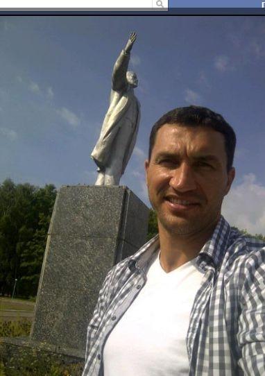 Кличко и Ленин. Фото со страницы Кличко в facebook