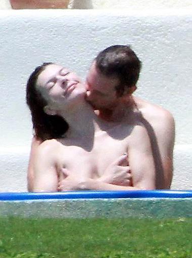 Мила и Пол собирались беззаботно отметить двухлетие свадьбы. Фото Splash/All Over Press.