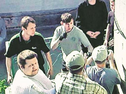 Депутат Васильковского горсовета Игорь Мосийчук (в левом углу снизу) со своей командой. Сейчас Мосийчук арестован по подозрению в терроризме.