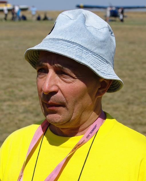Владимир Стробко собрал самолет в гараже