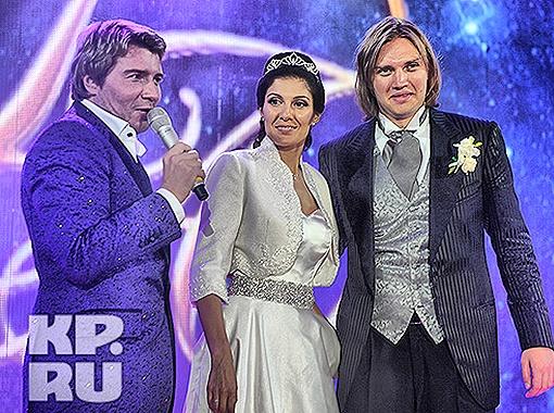 Молодоженов развлекал на свадьбе давний друг - Николай Басков. Фото Евгении Гусевой.