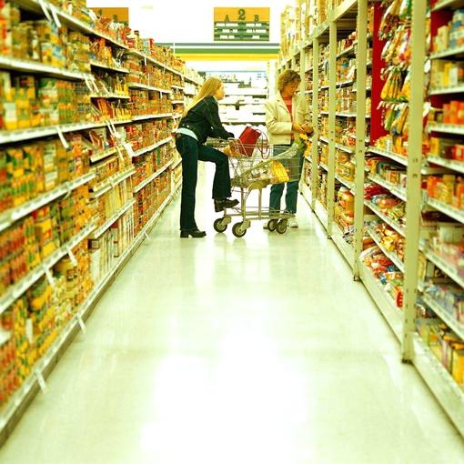 Чтобы обезопасить себя, внимательно изучайте этикетки еще до покупки. Фото с сайта www.torg.spb.ru