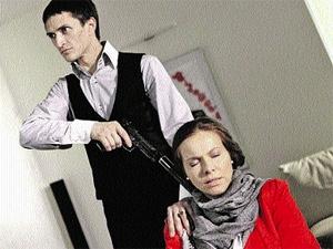 Беременной Кате Гусевой выпали непростые испытания. Ей пришлось играть вот такие жесткие сцены с Юрием Чурсиным.