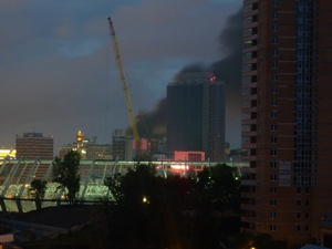 На углу улиц Городецкого и Крещатик вспыхнул сильнейший пожар. В хозяйственной постройке взорвались газовые баллоны.