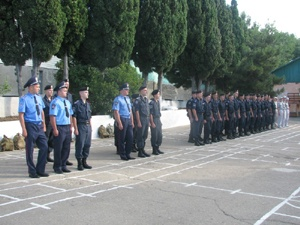 Солдаты стоят на посту. Фото автора.