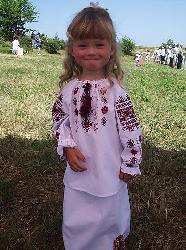 4-летняя Мирослава никогда не пробовала магазинных конфет и чипсов.