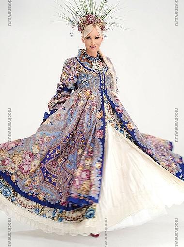 Алиса Крылова в 10-килограммовом платье
