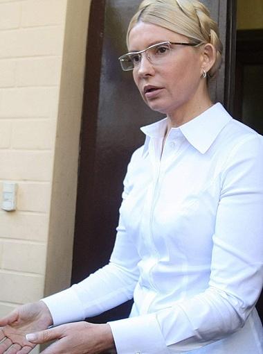 Во время ареста Юлия Тимошенко попросила не надевать на нее наручники. Фото из архива