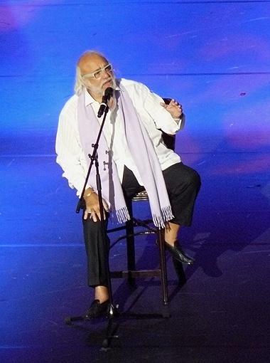 Греческий певец рад оказаться на крымской земле.