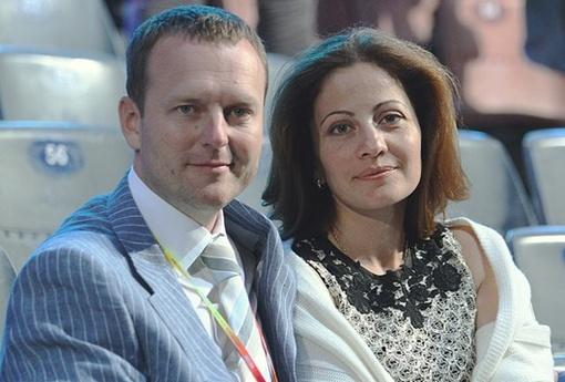 Константин Бахарев с супругой Ноной. Фото rada.crimea.ua.