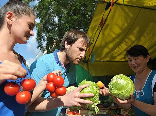 На овощи также необходимо требовать документы, удостоверяющие, что нитраты в них - в норме.