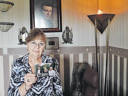Нелли Брагинская сумела похоронить лишь косточку, оставшуюся от ее сына Алекса.