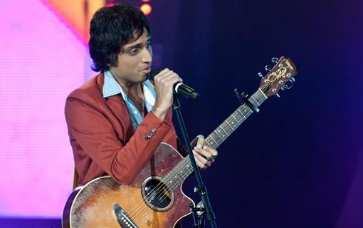 2 место получил певец из Индии Нихил Дсуза