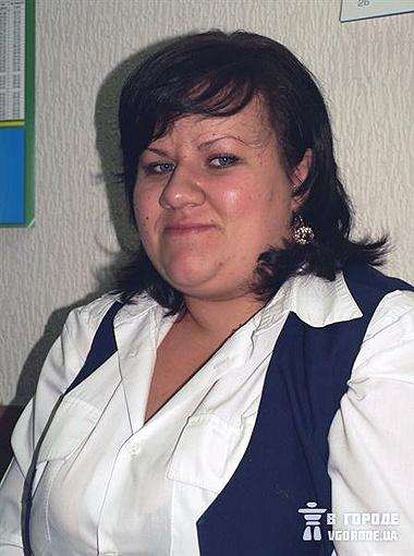 Коллега нашего героя Людмила Седоренко в восторге от нового сотрудника.