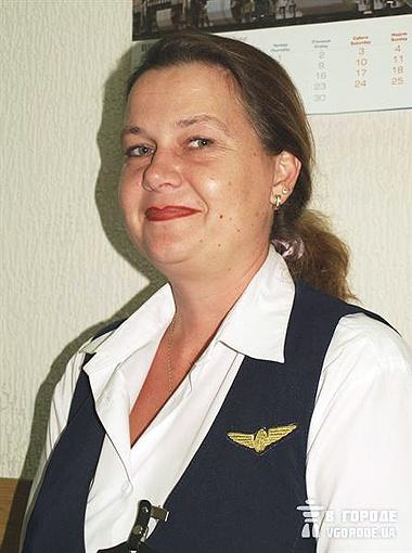 Билетный кассир Галина Бойченко считает, что для разнообразия мужчина в коллективе – хорошо.