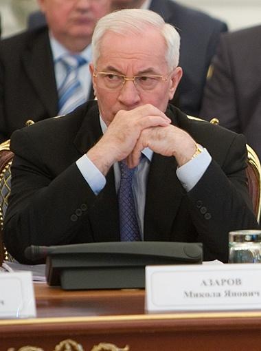 Азаров обещает сократить вполовину расходы на Кабмин. Фото Михаила МАРКИВА.