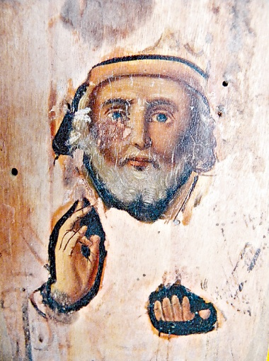 Образ святого Николая помещается в ладошку Марии Нефортуны.