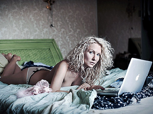 Катя Гордон обнажилась после Анастасии Волочковой. Фото Арсения Гробовникова.