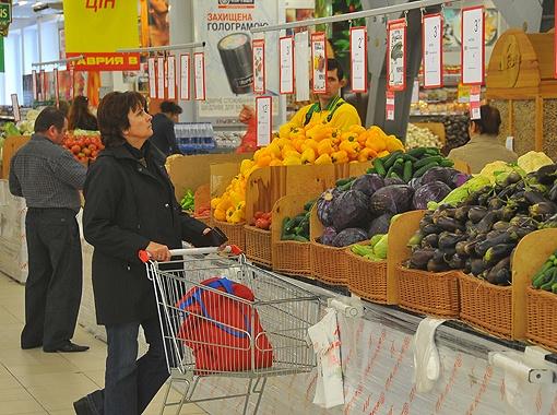 Сейчас в страну хлынули заграничные продукты, которые оказались дешевле тех, которые производят и выращивают у нас.