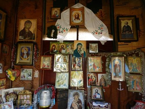 Иконы Владимир Голуб покупал в разных храмах полуострова.