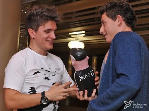 Коля подарил оригинальный презент. Фото: tochka.net.