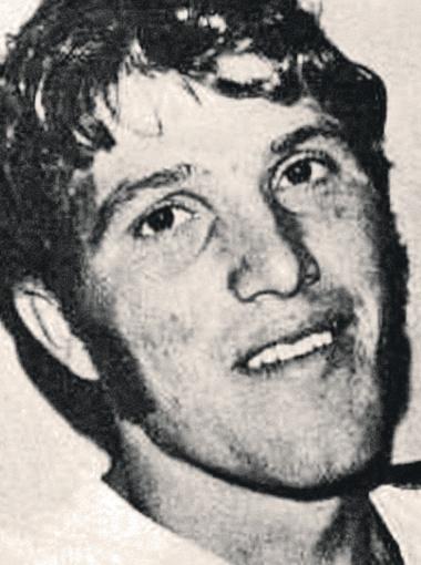 Кельвин (вверху) и Чарльз - фото 1973 года, сделаны незадолго до похищения.