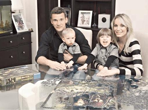 Вместе с супругой Кристен Андрей воспитывает двоих сыновей: четырехлетнего Кристиана и шестилетнего Джордана.