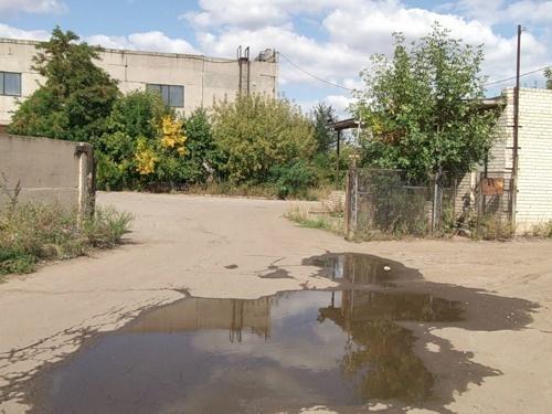Территория завода.