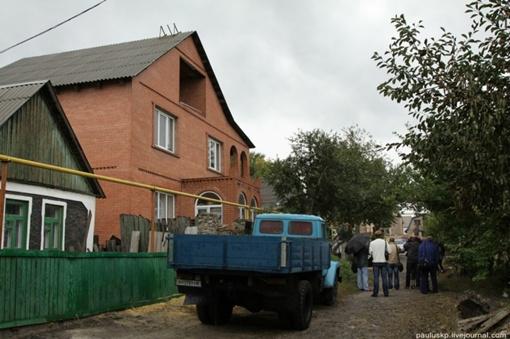 Дом у предпринимательницы большой. Фото автора