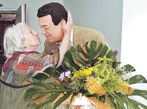 Иосиф Кобзон был среди тех немногих, кто до последнего дня заботился о Татьяне Лиозновой, навещая ее в больнице. Фото ИТАР - ТАСС.