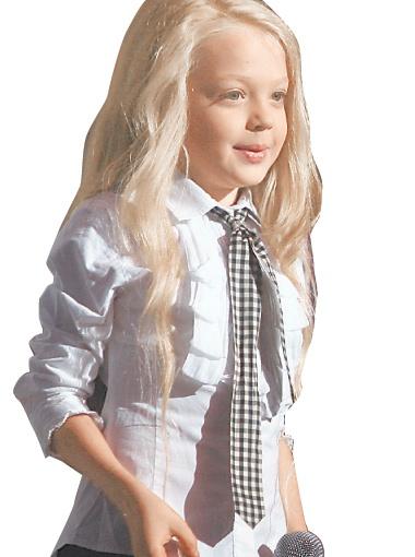 9-летняя Настя Петрик, покорив эстрадную сцену, решила всерьез заняться кино.