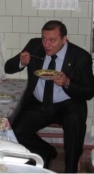 Михаил Добкин предпочитает обедать не в общепите Дома советов.