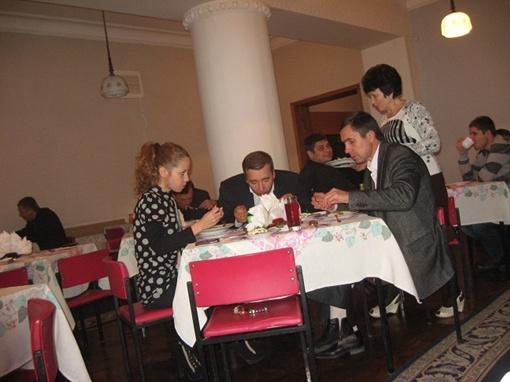 В столовой здания на Сумской, 64 сохранился советский стиль.