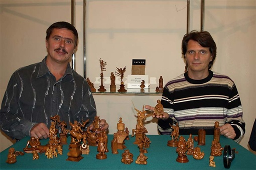 Брат Сергея Владимир (слева) тоже принимал участие в создании этих шедевров.