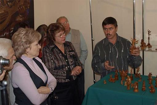 Выставка уникальных миниатюр из дерева будет открыта в Доме-музее академика Дмитрия Яворницкого (Днепропетровск) с 5 по 14 октября.
