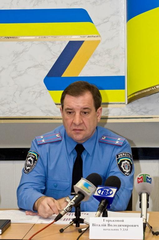 По словам Виталия Горькового, оставшиеся сотрудники прошли аттестацию. Фото Павла ВЕСЕЛКОВА.