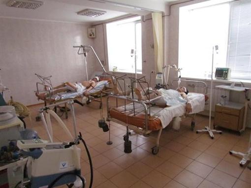 Сейчас Дмитрий в критическом состоянии, ему уже перелили кровь. Фото Николая Рябченко