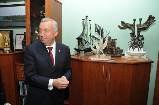 Александр Лукьянченко взялся лично показать, кто и где управляет городом