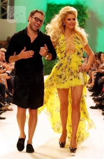 Андре Тан со своей знаменитой моделью Пэрис Хилтон. Фото