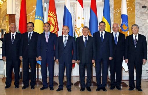 Премьеры семи стран СНГ собрались в Санкт-Петербурге, чтобы подписать соглашение о зоне свободной торговли.