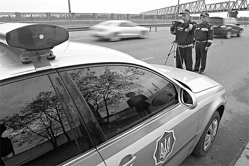 Скоро на украинских дорогах камеры будут снимать нарушения без безпомощи ГАИ.
