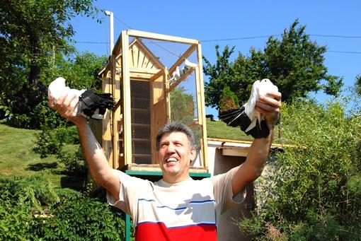 Сергей Кивалов не понаслышке знает, как обращаться с пернатыми.