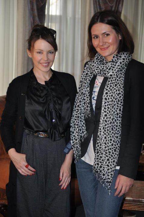 Кайли (на фото с Алисией) выглядит розкошно даже без макияжа. Фото с личной странички Алисии Педякшевой в facebook.com.